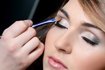 Illuminari_Services_MakeupAppliction_210x140