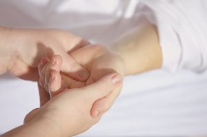 lose weight in your hands Illuminari Med Spa